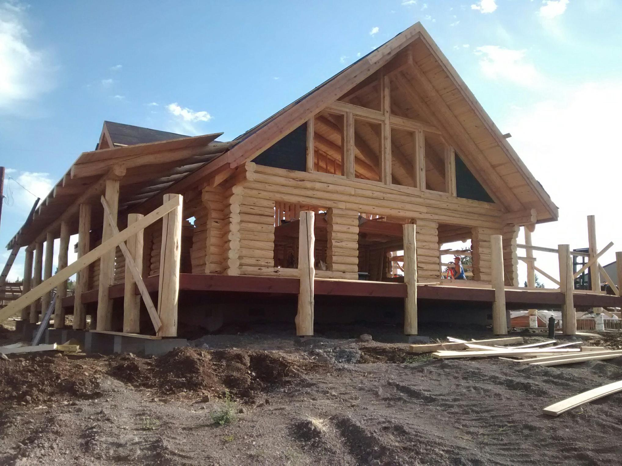 New 2100 sq.ft. log home near beautiful Klamath Falls, OR.